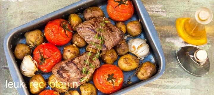 Biefstuk met tomaat en aardappeltjes