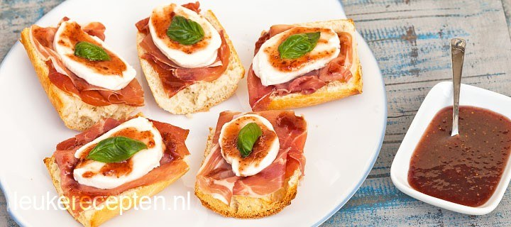 Brood met parmaham en vijg