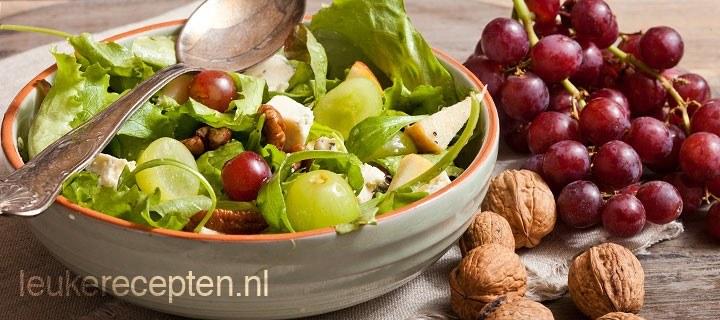 Salade met druiven en pecannoten