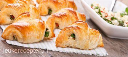 Mini croissants met spinazie