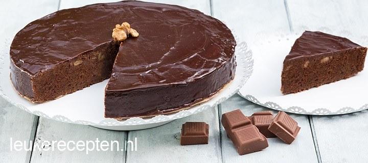 Chocoladetaart met walnoten
