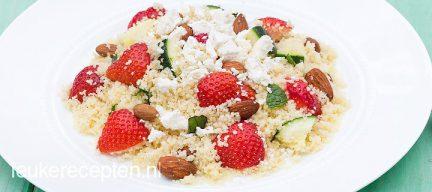 Couscous met aardbeien