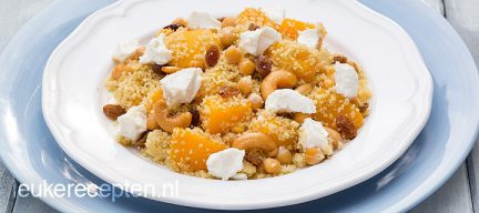 Couscous met perzik en cashewnoten