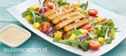 Salade met mango en krokante kip