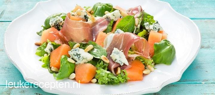 Salade met meloen en blauwe kaas
