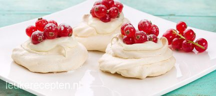 Mini pavlova met fruit