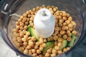avocado hummus 01