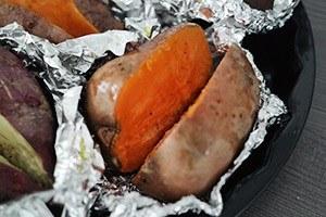 gevulde zoete aardappel van de BBQ 01