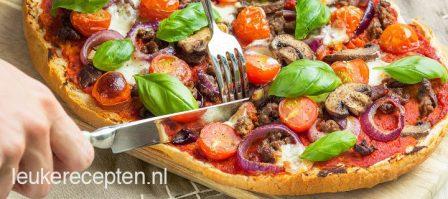 Snelle pizza van Turks brood