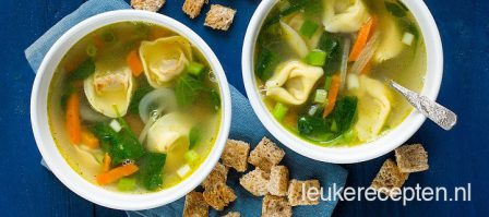 Tortellini soep
