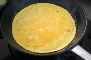 oosterse omeletrol met garnalen 01