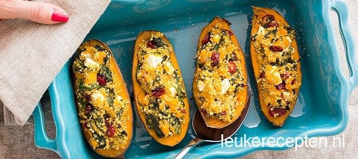 Zoete aardappel gevuld met quinoa