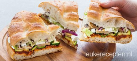 Turks brood sandwich met groenten
