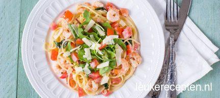 Lente pasta met garnalen