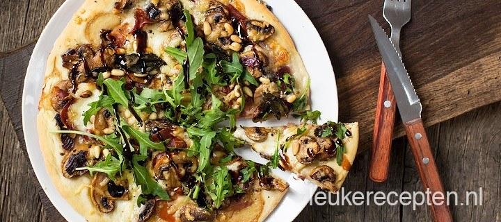 Pizza met champignons en balsamico