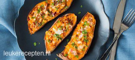 Gevulde zoete aardappel met spek