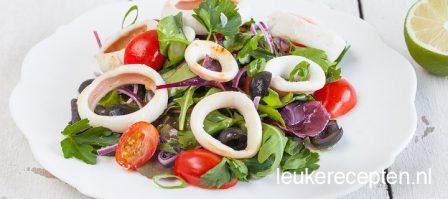 Salade met calamaris (inktvisringen)