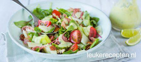 Babyboerenkool salade met avocado dressing