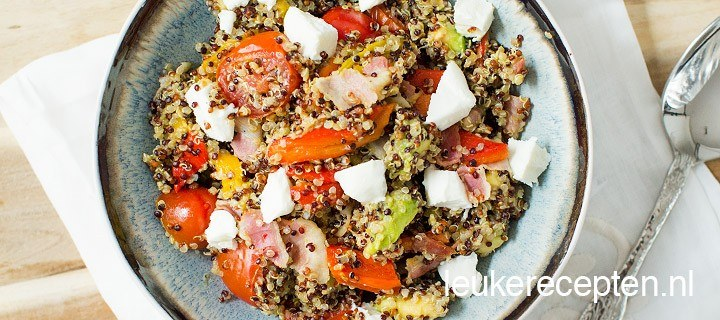 Quinoa salade met ontbijtspek