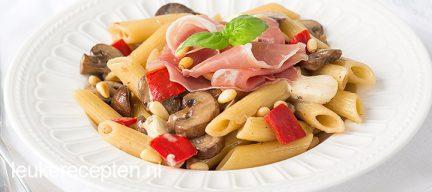Pasta met champignons en ham