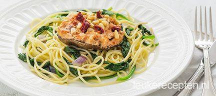 Vegetarische pasta met portobello