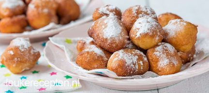 Video: mini oliebollen met ananas