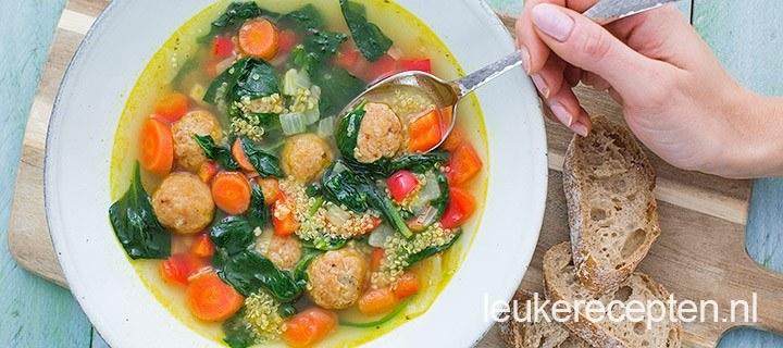 Quinoa soep met kipballetjes