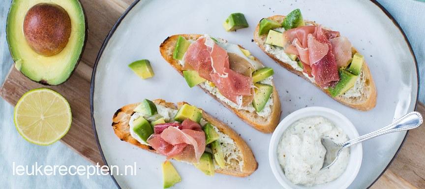 bruschettas-met-avocado - www.leukerecepten.nl