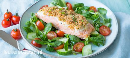 Salade met zalm uit de oven