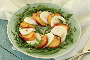 caprese-salade-perzik-stap-3.jpg
