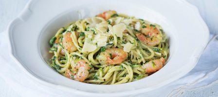 Spaghetti met spinazie en garnalen
