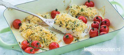 Vis met panko en tomaat