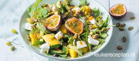 Tropische salade met passievrucht