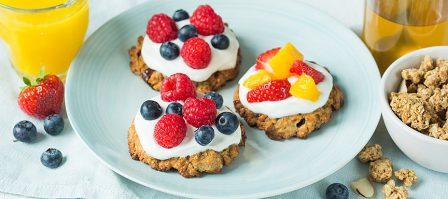 De lekkerste Cruesli ontbijtkoekjes met yoghurt