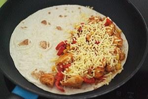 quesadilla-met-kip_03.jpg