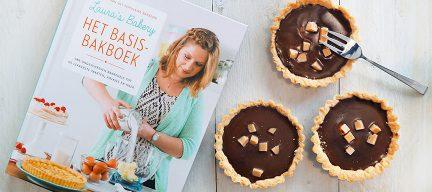 Review Het basisbakboek + recept chocoladetaartjes met salted caramel