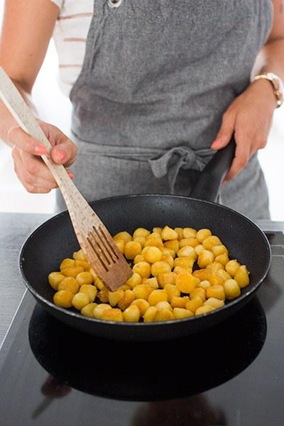 de beste tips om krieltjes snel perfect gaar en krokant te bakken