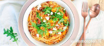 Herfstige pasta met geroosterde pompoen