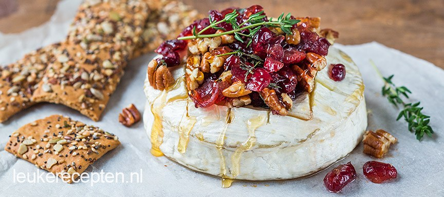 Camembert met cranberry