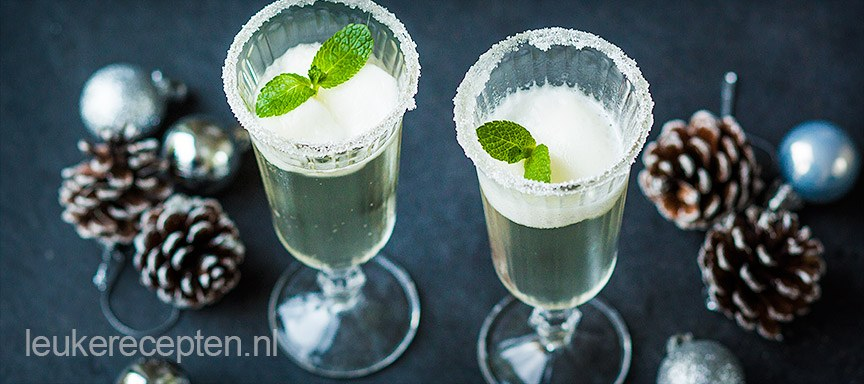 Prosecco cocktail met citroen