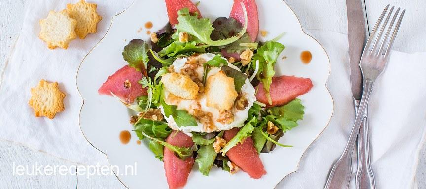 Feestelijke salade met stoofpeer