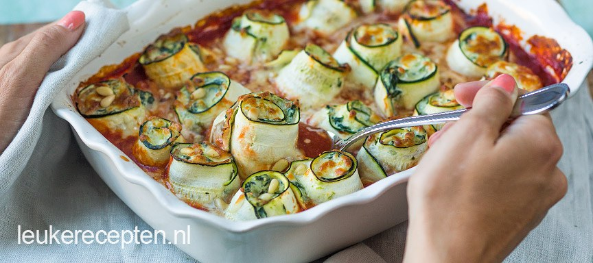 courgette-rolletjes-in-tomatensaus