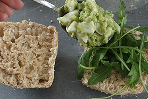 broodjes-gezonde-eiersalade-stap-3.jpg