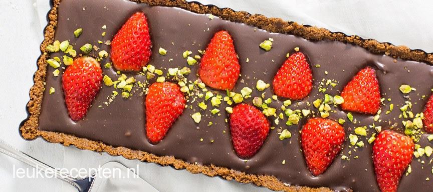 Chocoladetaart met aardbeien zonder oven