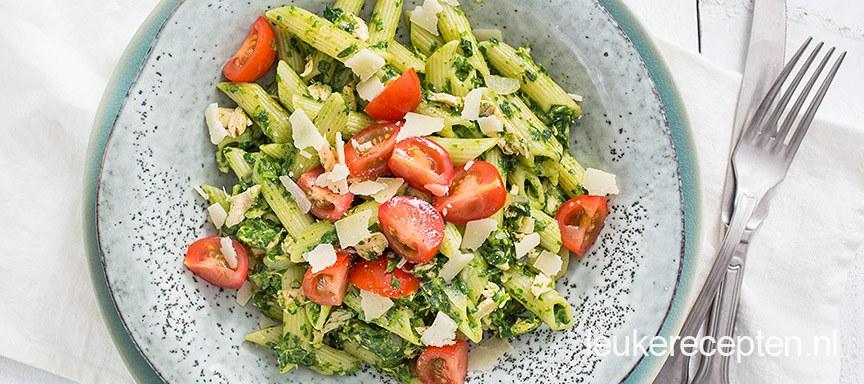 Romige pasta met zalm en spinazie