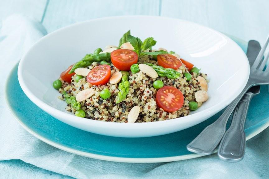 quinoa-salade-met-groene-asperges www.leukerecepten.nl