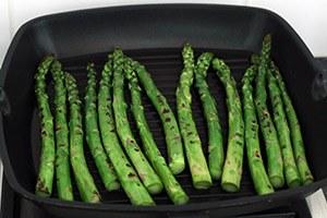 Salade-met-gnocchi-en-gegrilde-groene-asperges-stap-3.jpg