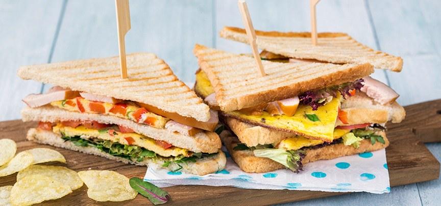 Club sandwich met kip