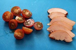 salade-met-gerookte-kip-en-peer-stap-1.jpg