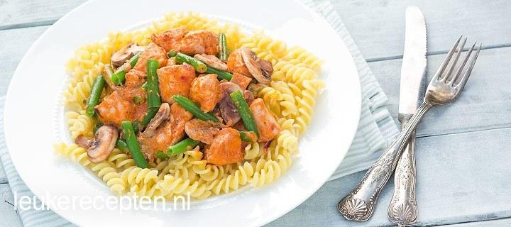 pasta met rode pesto www.leukrecepten.nl